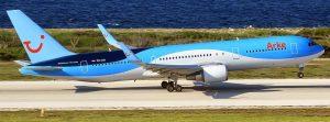 Een prachtige Dreamliner van Arke Fly stijgt op vanaf Hato