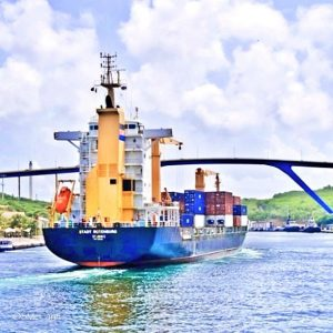 Containerschip Annabaai Curacao